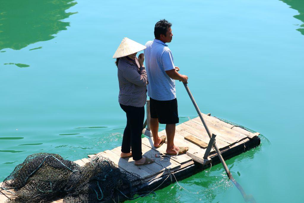 Habitants de la baie d'Halong
